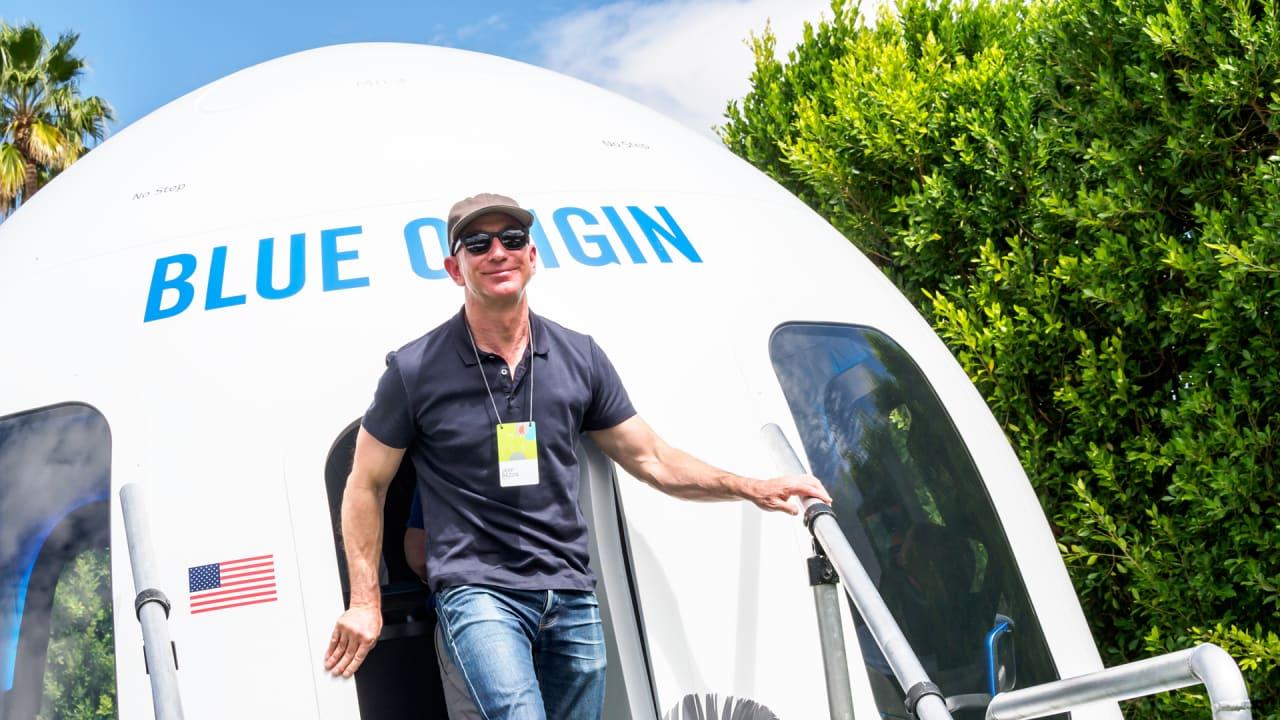 At Amazon S Mars Conference Jeff Bezos Plots The Future With 200