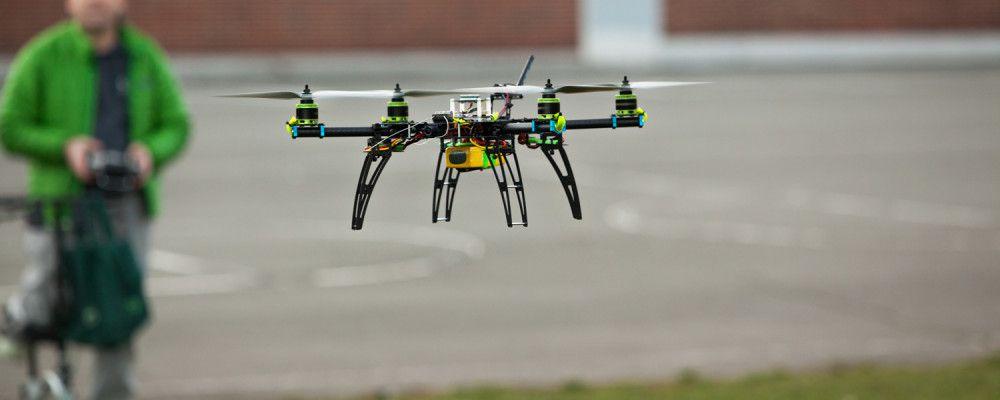 http://cdn.singularityhub.com/wp-content/uploads/2015/01/drones-will-be-everywhere-2-1000x400.jpg