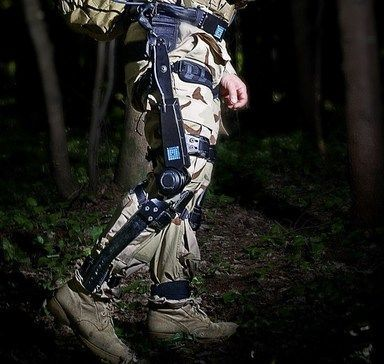 FORTIS K-SRD helps soldiers climb and walk carrying heavy mission equipment loads by supporting the legs and boosting knee capacity.
