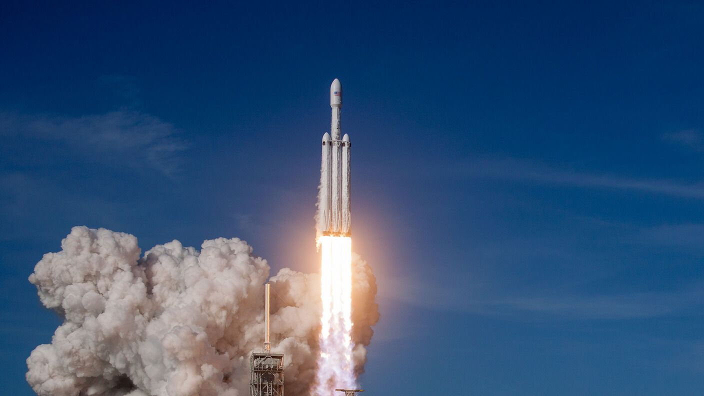 SpaceX's Falcon Heavy Launch Was a Smashing Success—What's ...