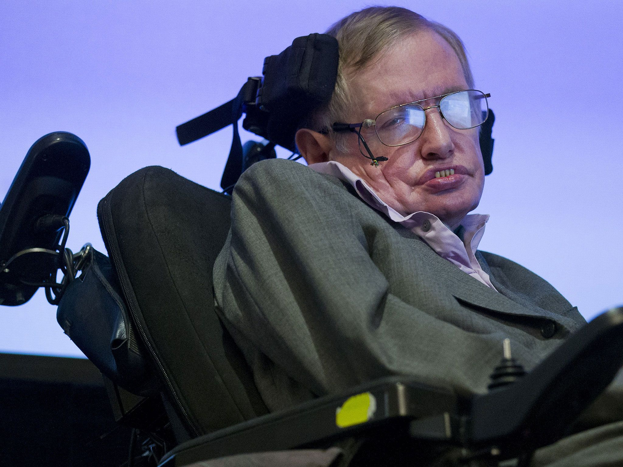 stephen hawking essay example How is my hero stephen hawking,  example: douglas bader was  this prezi is simply a photo essay showing how we don't take care of our communities.