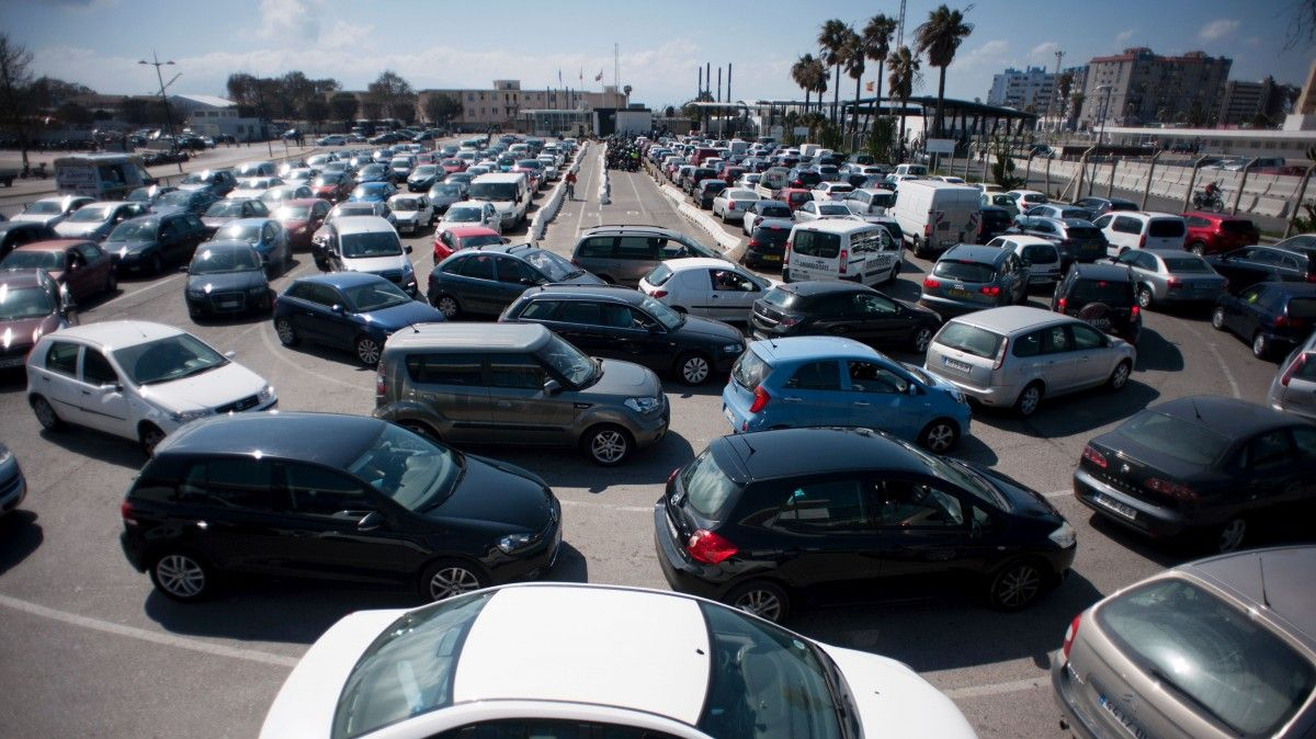 No parking space at driving automated center traffic snarls common affair