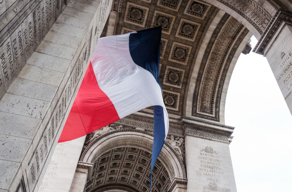 French-Flag-Arc-de-Triomphe