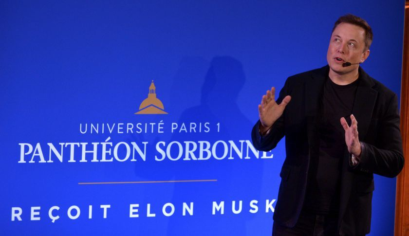 Elon Musk, CEO of US automotive and energy storage company Tesla, presents his outlook on climate change at the Paris-Sorbonne University in Paris on December 2, 2015. / AFP / ERIC PIERMONT        (Photo credit should read ERIC PIERMONT/AFP/Getty Images)